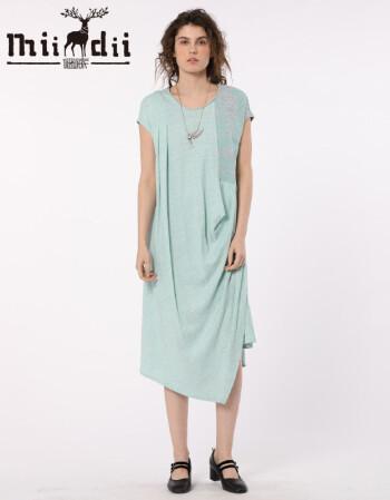 谜底 夏装新款不规则结构设计中长款短袖连衣裙 浅青