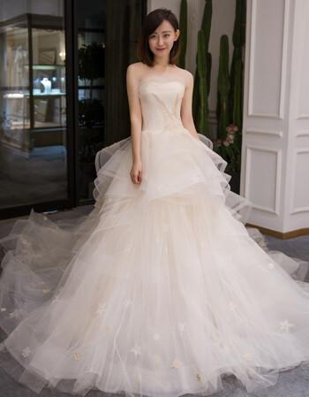 verawang婚纱礼服2018新款新娘长拖尾欧式公主梦幻赫本风复古小图片