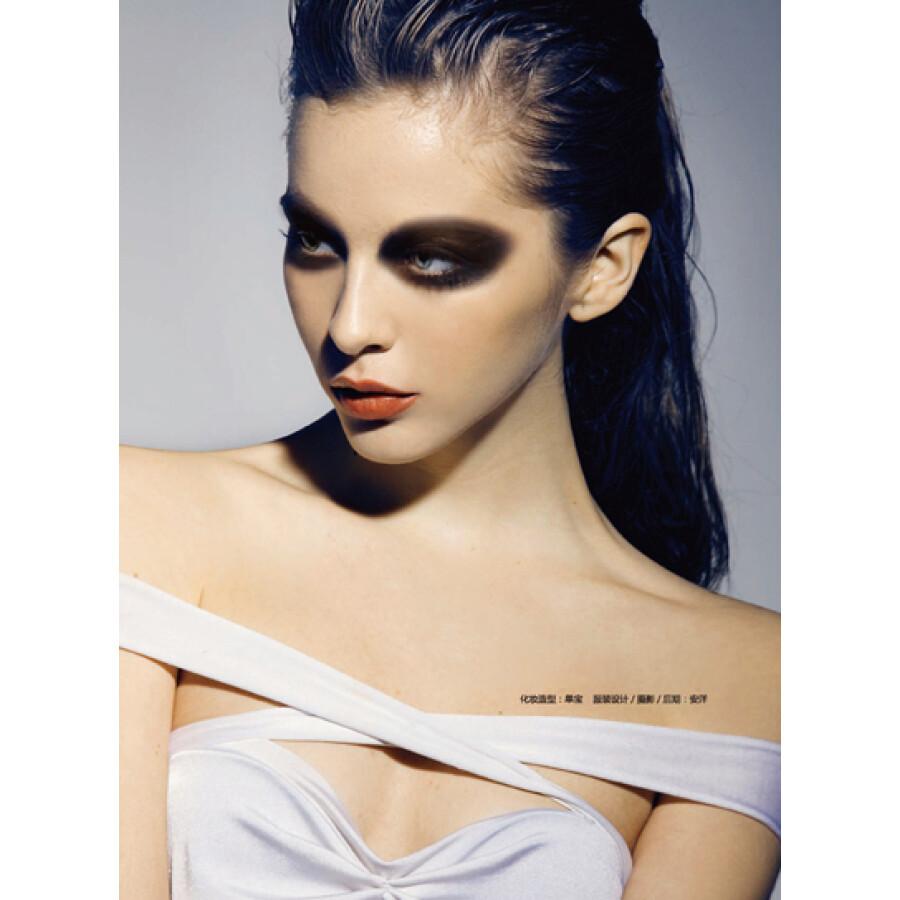 时尚彩妆造型宝典图片