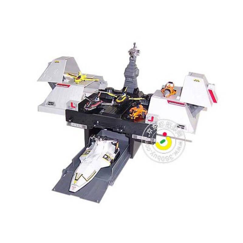 曼-潜水飞机库模型