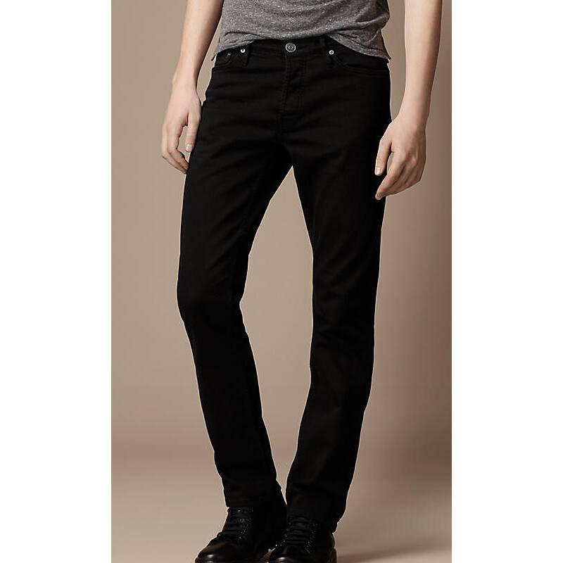 男士斯温黑色锥形紧腿牛仔裤图片