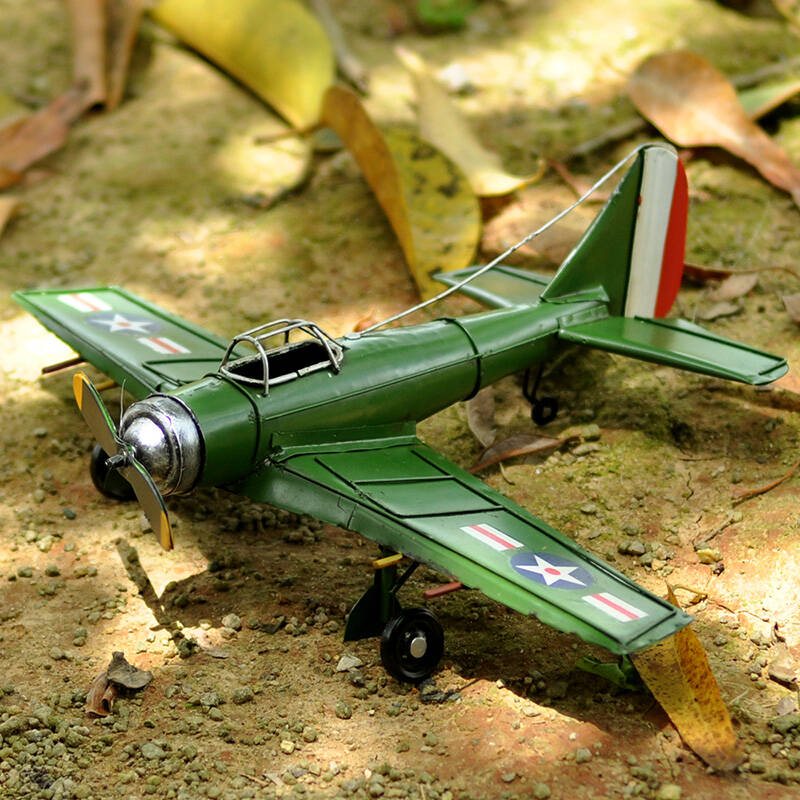 翻旧事 美式战斗机模型摆件绿色铁艺飞机复古怀旧家装