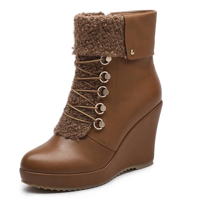 棕色马丁鞋怎么搭配