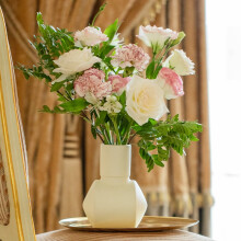 京东鲜花 Nature自然系列混合版包月鲜花包月4束 周一收花定制 季度12束 周六收花(加应季3束)