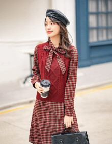 茵曼 INMAN 冬装经典复古格子格纹连衣裙学院风毛衣背心两件套装 红格 L