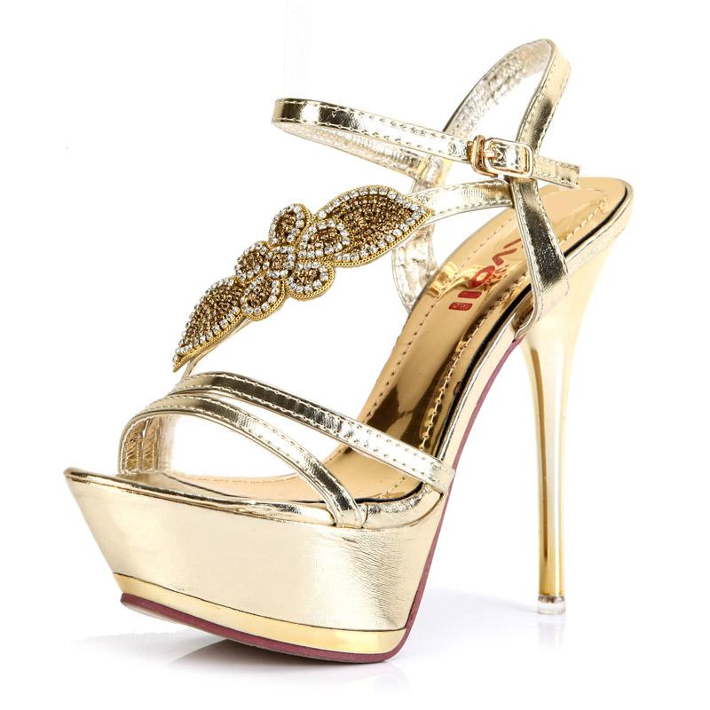 Kvoll凉鞋