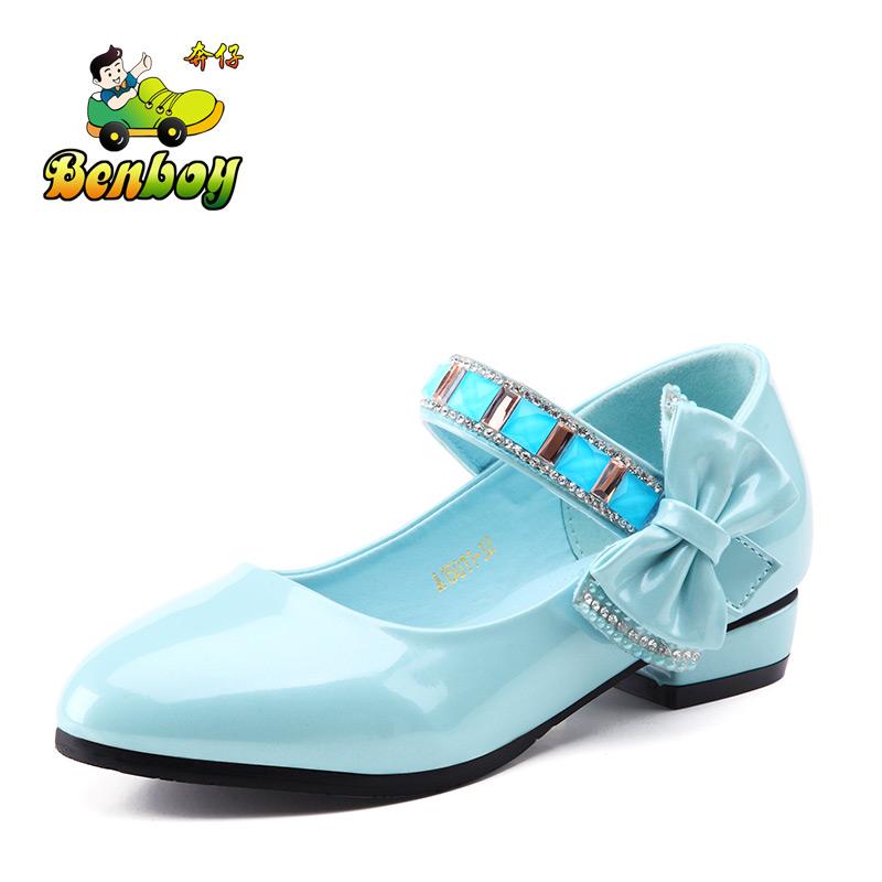 儿童皮鞋时尚女孩