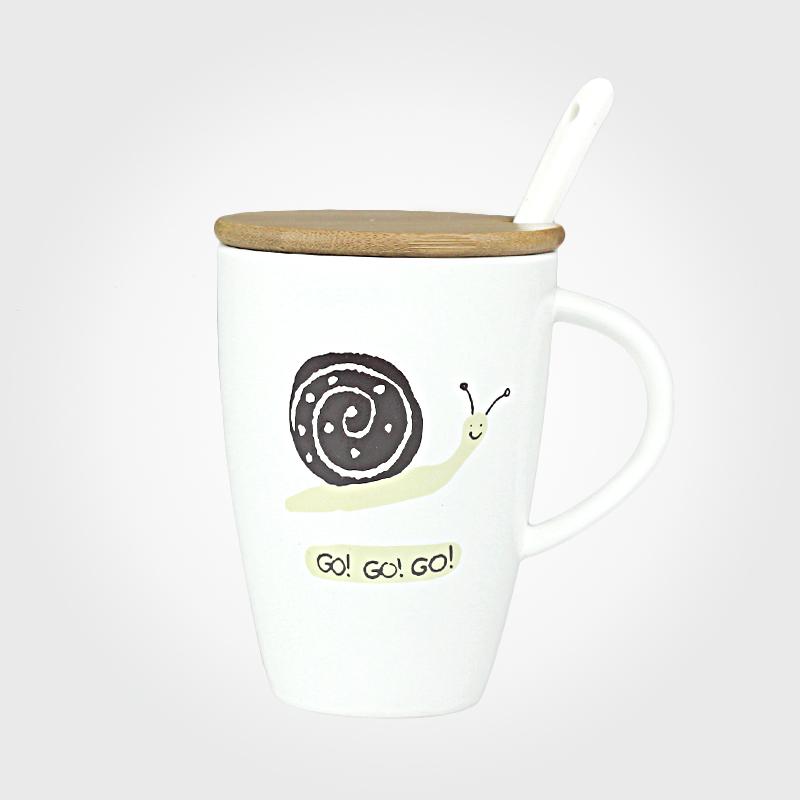 陶瓷杯带盖勺创意手绘情侣水杯杯子牛奶杯卡通磨砂动物自由马克杯