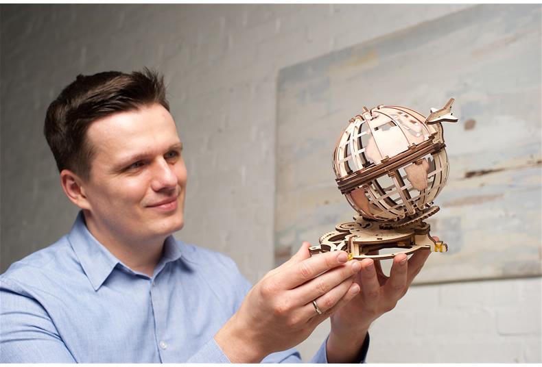 ugears乌克兰木制机械拼插模型  地球仪