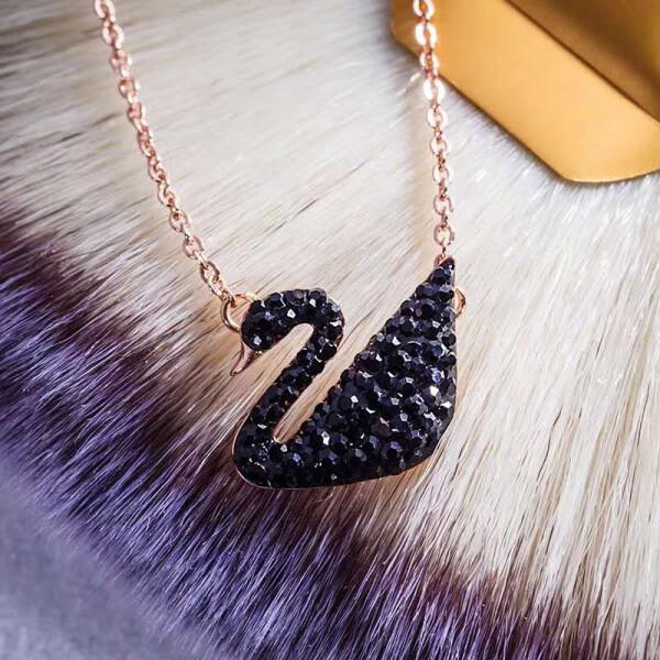 【施华洛世奇同款】黑天鹅钛钢项链