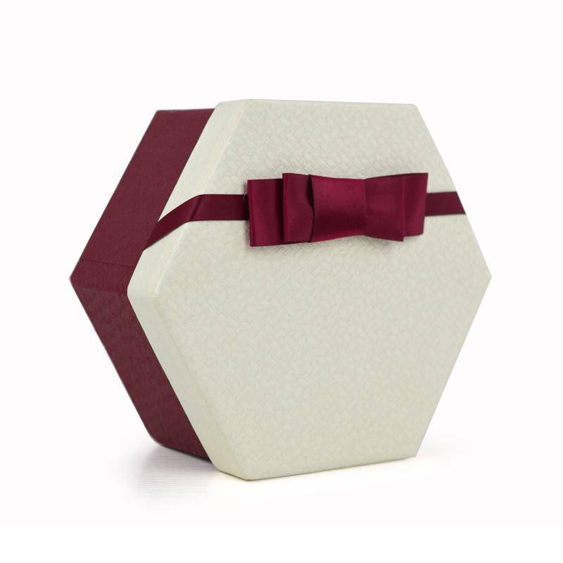 时尚礼物包装盒 典雅礼物盒 送礼盒子纹路型礼物包装盒子 米白色盖款