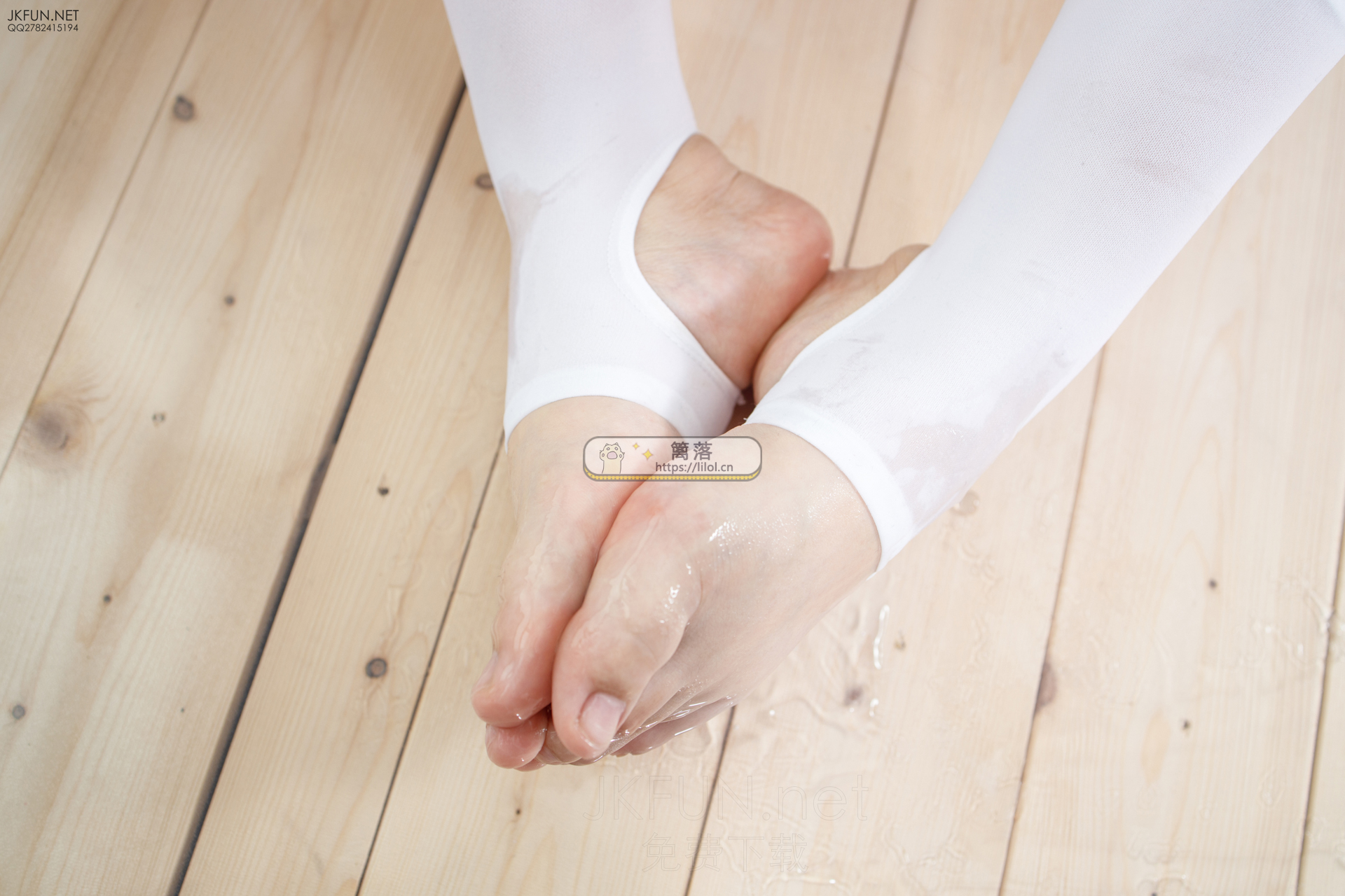 【JKFUN系列】森萝财团写真 JKFUN-010 超性感蓝色紧身吊带室内写真 [115图-1视频-2.9GB] JKFUN系列 第7张