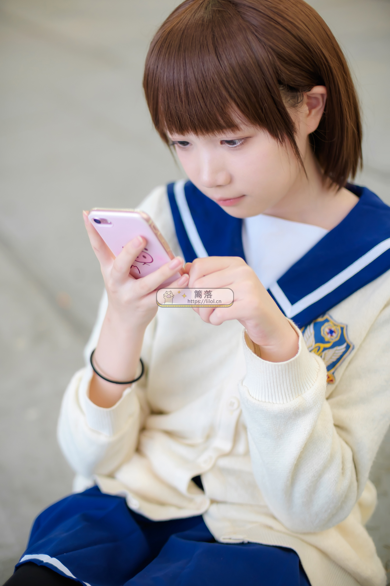 【FREE系列】森萝财团写真 FREE-004 短发俏皮女孩JK制服+黑丝室外写真 [24图-0视频-161MB] FREE系列 第4张