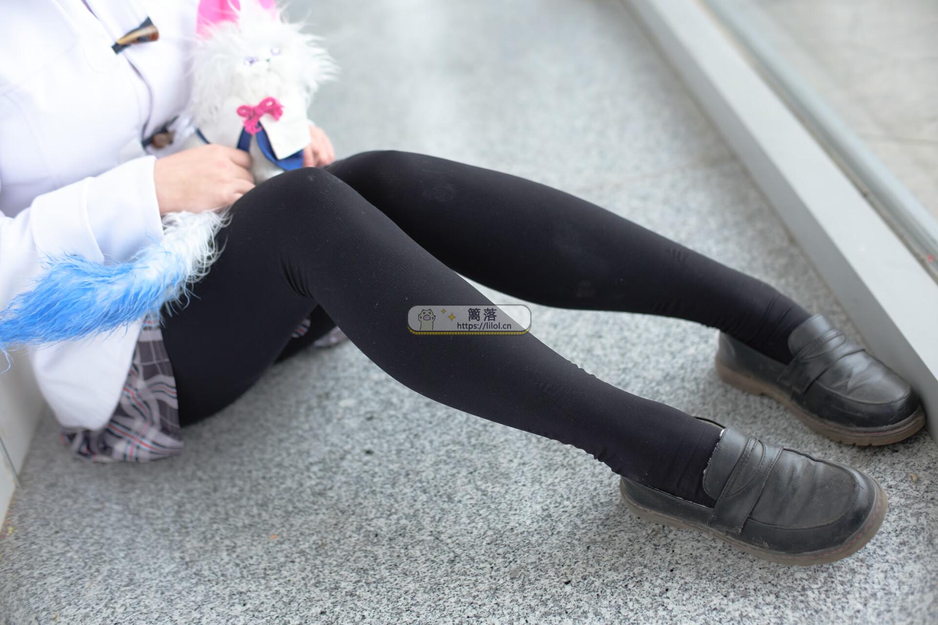 【FREE系列】森萝财团写真 FREE-007 白丝+黑丝短裙制服装室外写真 [83图-1视频-1.5GB] FREE系列 第5张