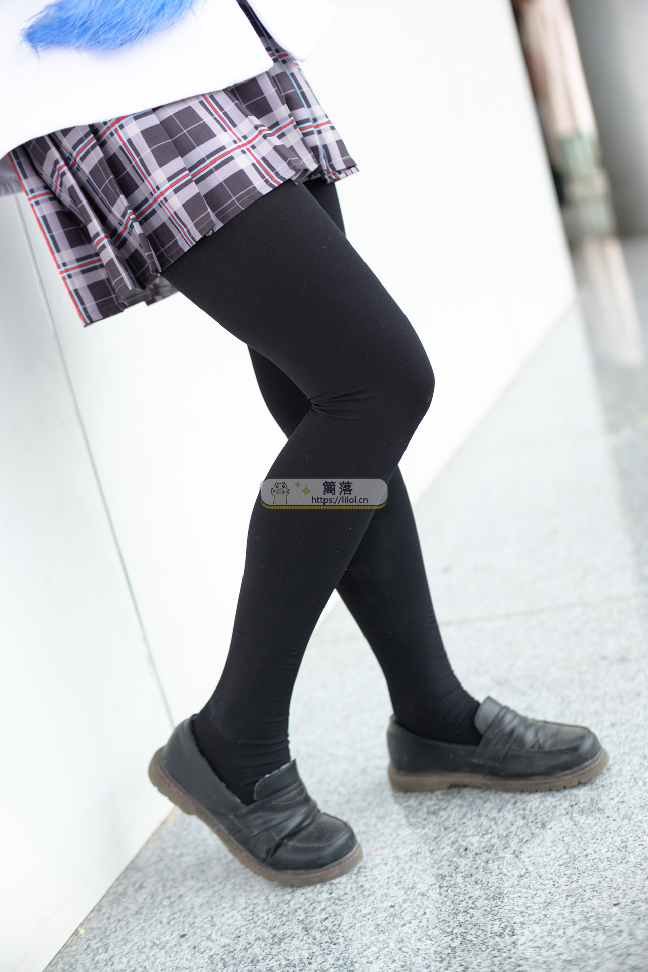 【FREE系列】森萝财团写真 FREE-007 白丝+黑丝短裙制服装室外写真 [83图-1视频-1.5GB] FREE系列 第3张